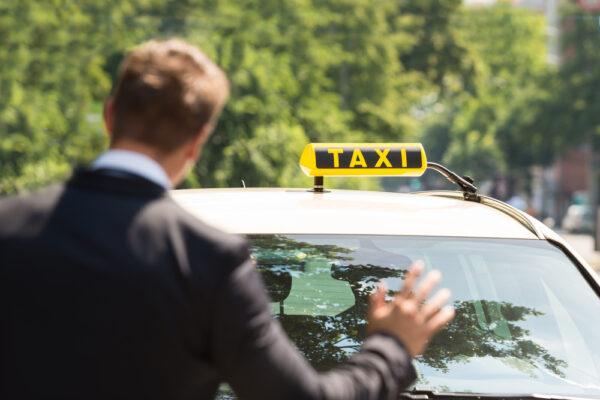 خدمة تاكسي في الكويت